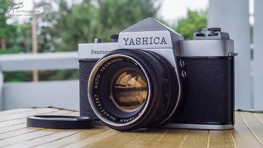 Yashica Pentamatic w/5.5cm f/1.8 Auto Yashinon